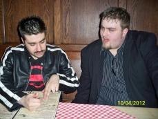Joe wybiera łososia z karty dań ;)